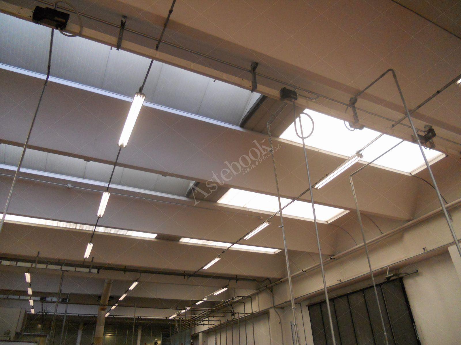 Intera propriet di capannone industriale produttivo sito for Aste immobiliari monza